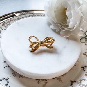 VTG • Dainty Gold Bow Brooch